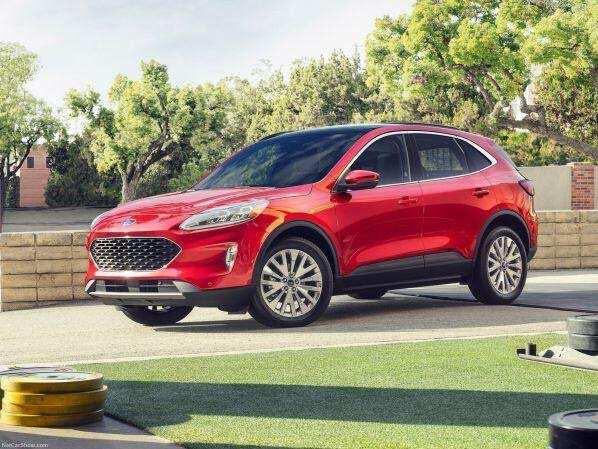 Động cơ vận hành Ford Escape 2021 mạnh mẽ