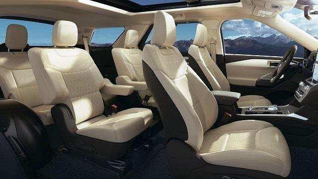 Ford Explorer 2021 có hệ thống ghế ngồi rộng rãi