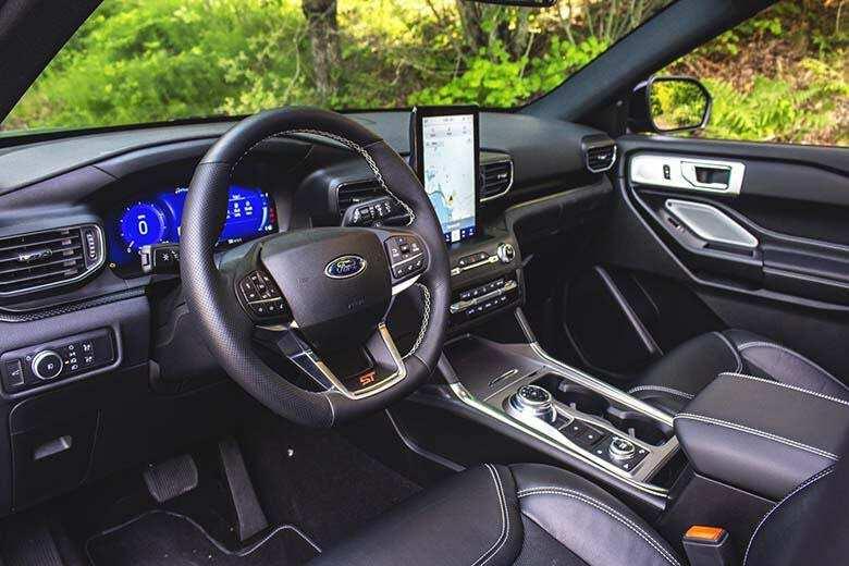 Ford Explorer 2021 sở hữu nhiều tiện nghi đa dạng