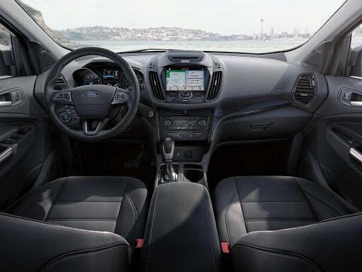 Táp lô xe Ford Escape 2021 được thiết kế gọn gàng