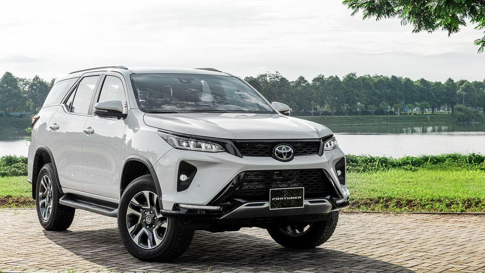 Toyota Fortuner 2021 ra mắt với hàng loạt nâng cấp và mức giá hấp dẫn