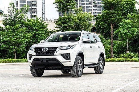 Toyota Fortuner 2021 mang lại cảm giác lái nhẹ nhàng, linh hoạt