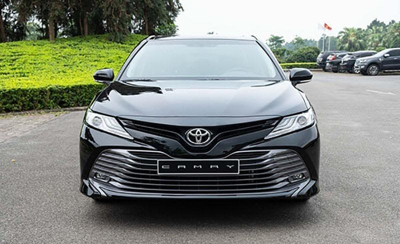Đầu xe tạo ấn tượng của chiếc Toyota Camry 2021