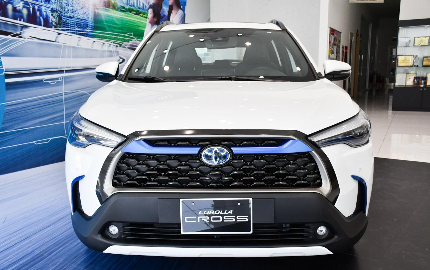 Thiết kế đầu xe Toyota Corolla Cross 2021 khá trẻ trung