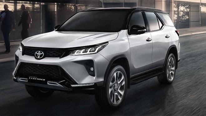 Toyota Fortuner 2021 có thiết kế đầu xe nam tính, khỏe khoắn