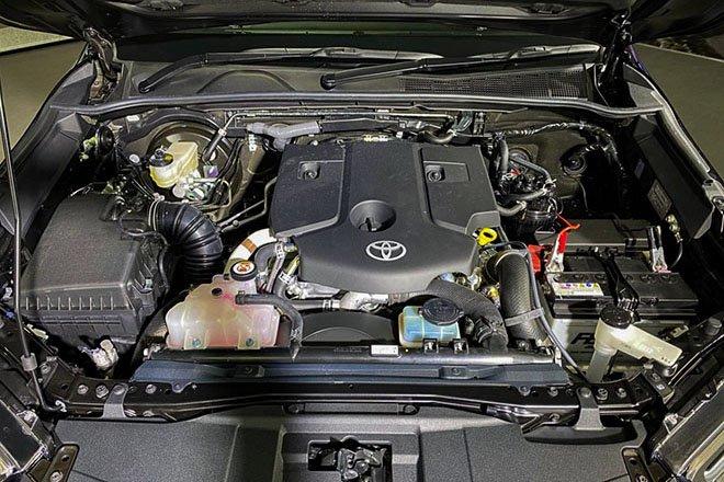 Xe có 2 tùy chọn động cơ 2.8L và 2.4L