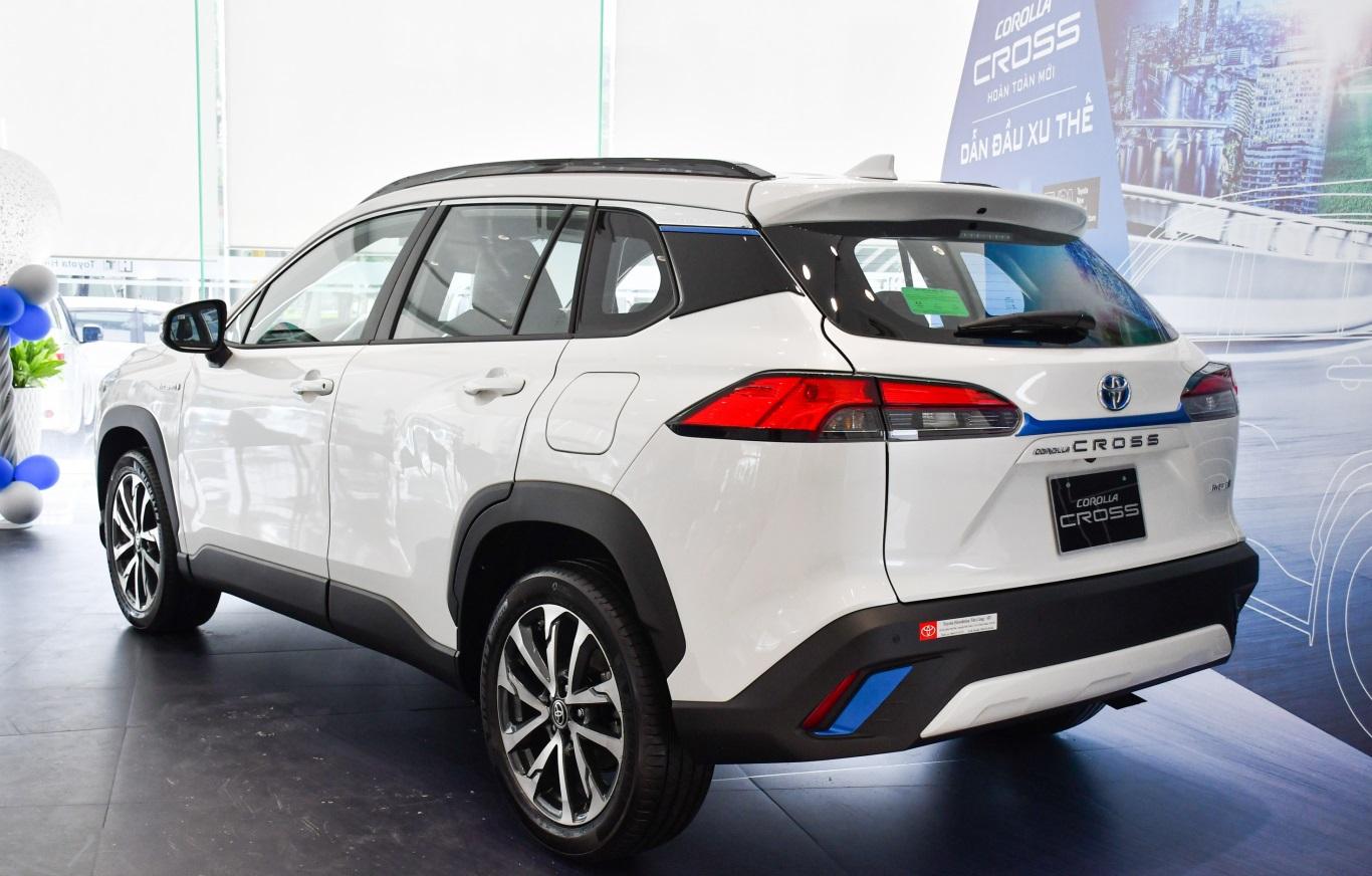 Toyota Corolla Cross 2021 có thiết kế đuôi xe nổi bật