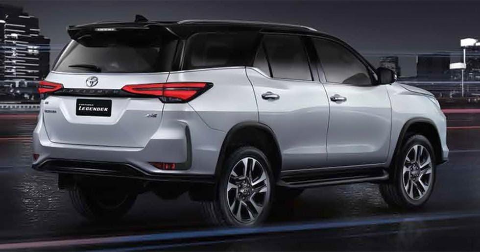 Đuôi xe Toyota Fortuner 2021 có một vài tinh chỉnh nhẹ