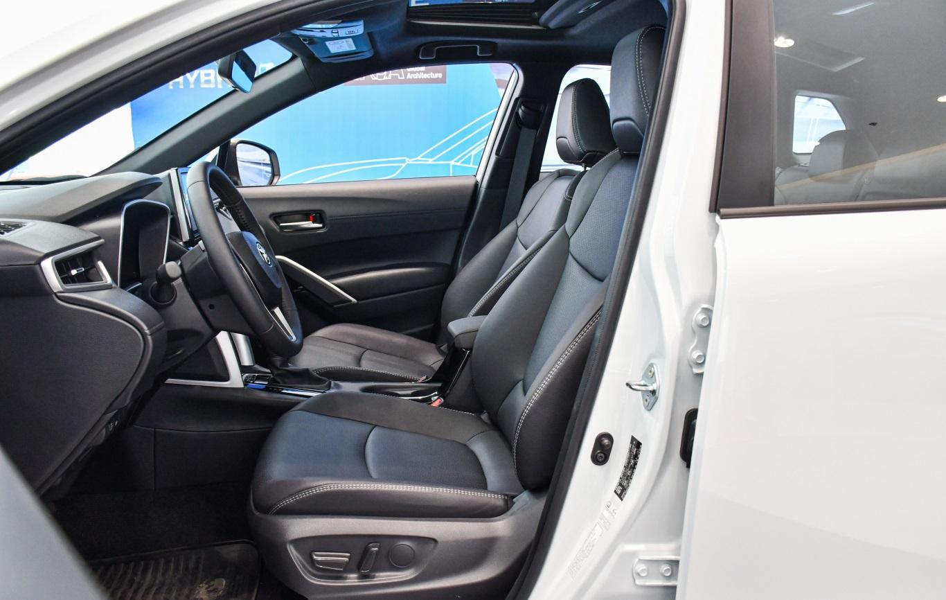 Toyota Corolla Cross 2021 sở hữu hệ thống ghế ngồi sang trọng