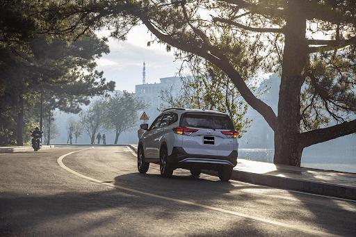 Giá thành Toyota Rush 2021 cao hơn các đối thủ