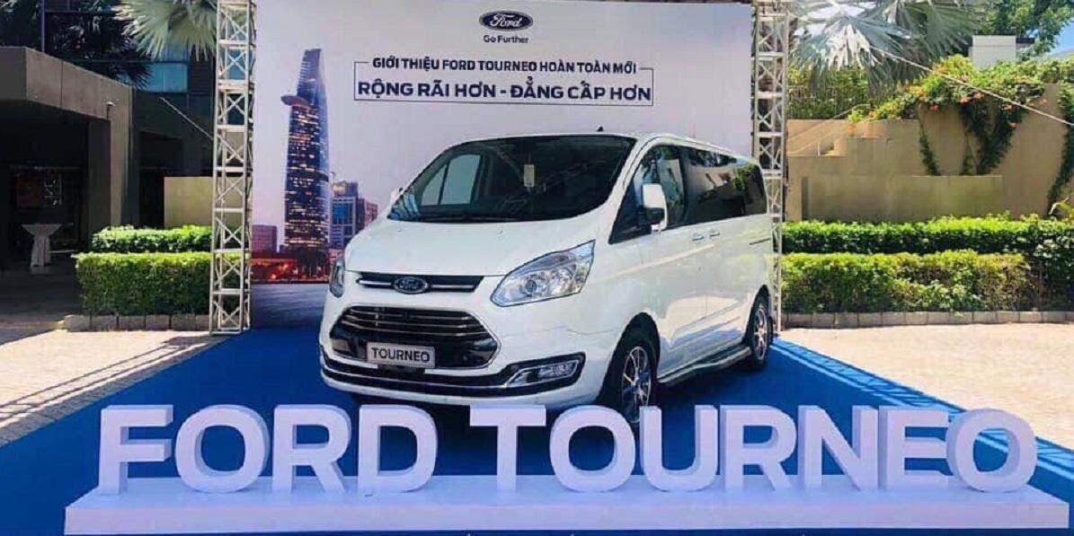 Lễ giới thiệu Ford Tourneo 2021
