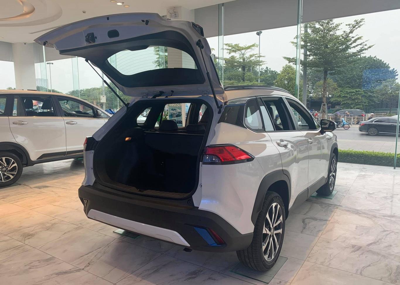 Toyota Corolla Cross 2021 có dung tích khoang hành lý lớn