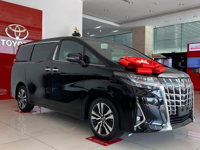 Phiên bản Toyota Alphard 2021 đẹp mắt, cuốn hút.