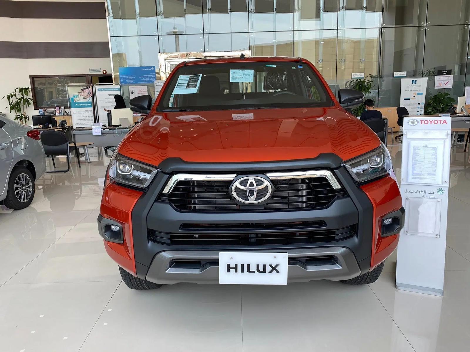 Toyota Hilux 2021 sở hữu nhiều cải tiến vượt trội