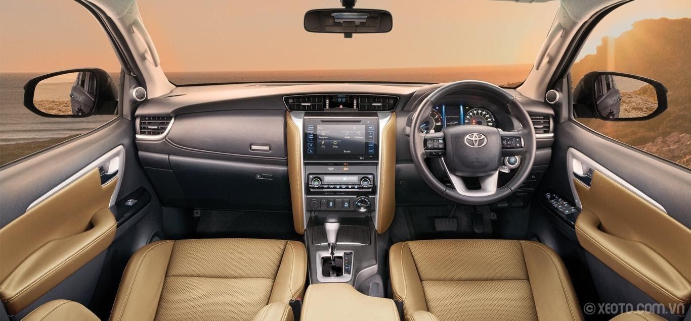 Toyota Fortuner 2021 thiết kế bảng táp lô gọn gàng, khoa học
