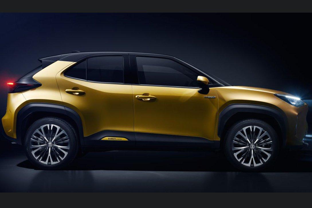 Thân xe Toyota Yaris 2021 cấu thành từ những đường nét rắn rỏi