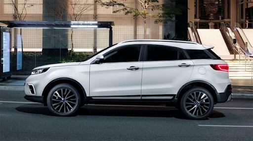 Thiết kế thân xe vừa mạnh mẽ vừa tinh tế.
