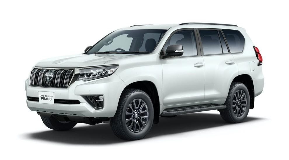 Toyota Land Cruiser 2021 màu bạc ánh kim