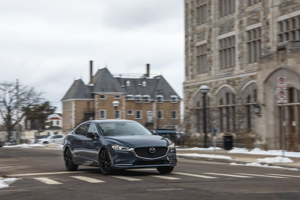 Thiết kế đầu xe của Mazda 6 2021