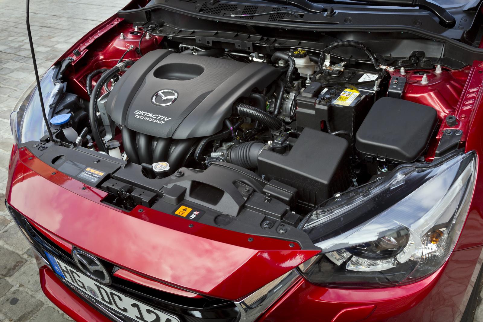 Đánh giá xe Mazda 2 2021 về động cơ