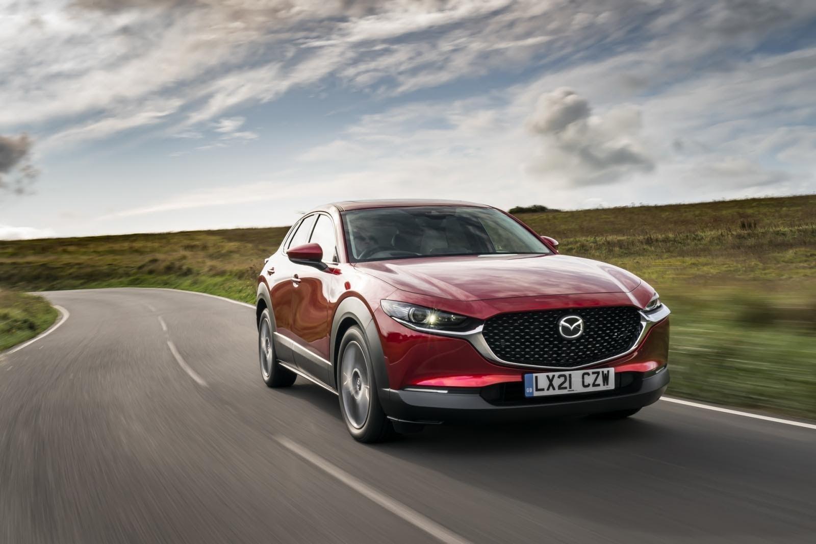 Mazda 3 có khả năng vận hành mượt mà, ổn định, chính xác.