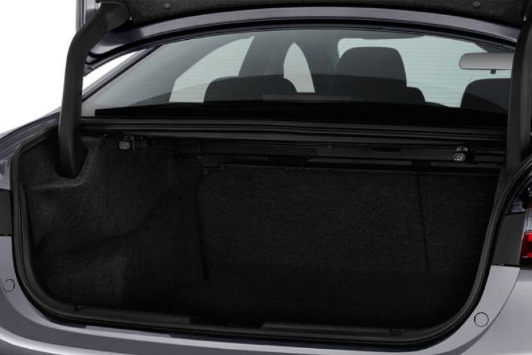 Khoang hành lý có thể tích 480 lít