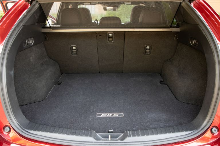 Đánh giá xe Mazda CX-5 2021 về khoang hành lý
