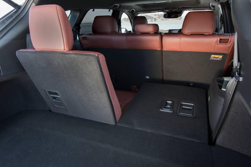 Đánh giá xe Mazda CX-9 năm 2021 về khoang hành lý