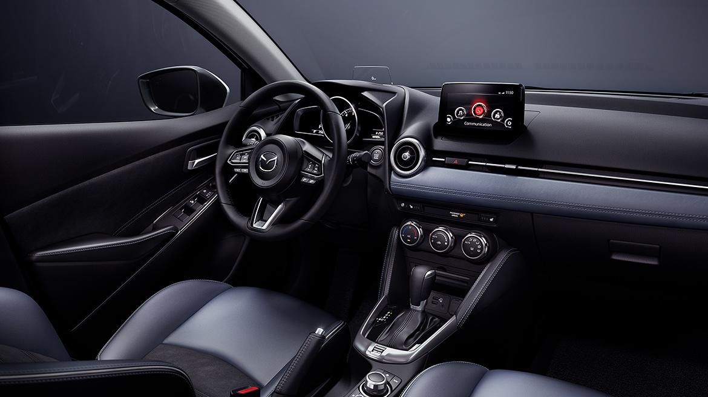 Khoang nội thất Mazda 2 2021