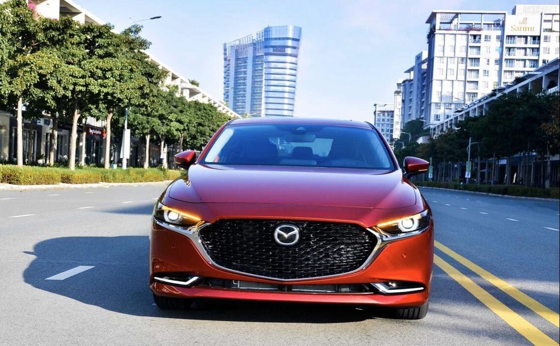 Mazda 3 2021 màu đỏ