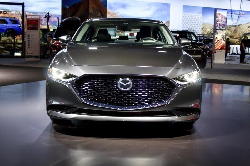 Mazda 3 2021 màu xám