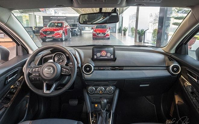 """Khoang lái có lối thiết kế """"Human Centric"""" tinh giản, tiện dụng."""